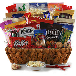 The Grand Snacker - Snack Gift Basket