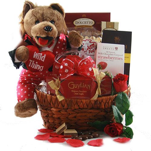 Romeos Basket Valentines Gift Basket